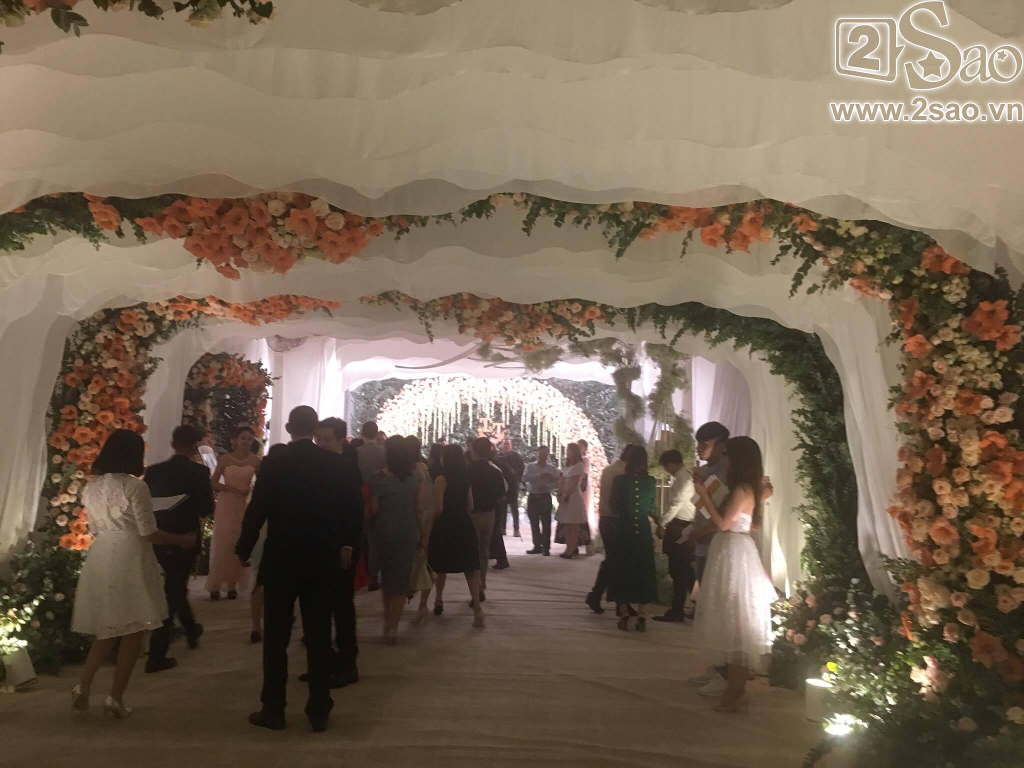 Không gian tiệc cưới hoành tráng của hoa hậu Đặng Thu Thảo-3