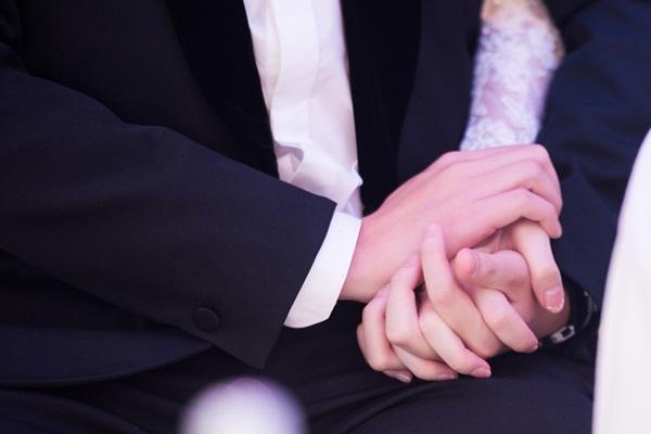 Đặng Thu Thảo cùng chồng đại gia nắm tay tiễn vào lễ đường-7