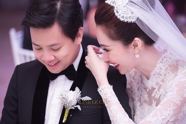 Đặng Thu Thảo cùng chồng đại gia nắm tay tiễn vào lễ đường-9