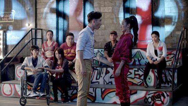 Glee: Angela Phương Trinh thất tình, bị phát hiện mang thai-3