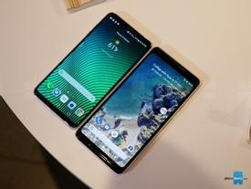 So sánh Pixel 2 XL với LG V30: 'Kẻ tám lạng, người nửa cân'