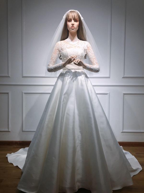 Bạn có nhận ra váy cưới của Hoa hậu Thu Thảo giống váy cưới của Công nương Grace Kelly đến bất ngờ?-4