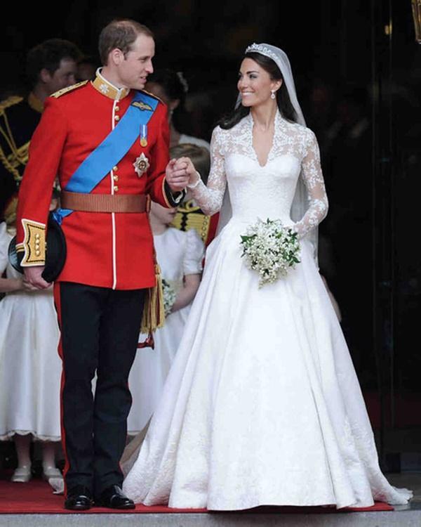 Bạn có nhận ra váy cưới của Hoa hậu Thu Thảo giống váy cưới của Công nương Grace Kelly đến bất ngờ?-10