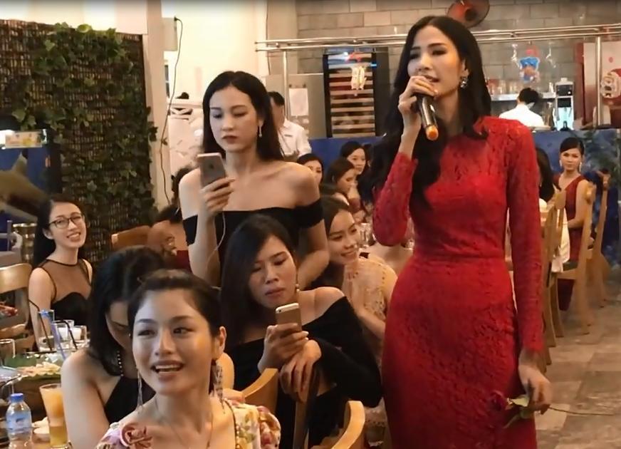 Hoàng Thùy bất ngờ khoe giọng hát đầy nội lực tại Hoa hậu Hoàn vũ Việt Nam 2017-1