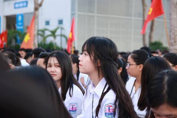 Lạc vào động tiên toàn gái đẹp của trường THPT Chuyên Đại học Vinh-5