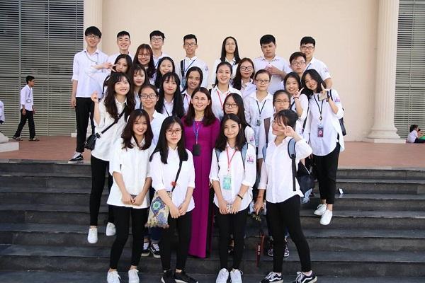 Lạc vào động tiên toàn gái đẹp của trường THPT Chuyên Đại học Vinh-1