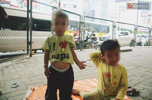 Gặp người chồng bị vợ bỏ, đưa 2 con trai đi ăn xin ở Hà Nội gây xôn xao-1