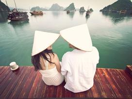 Ngưỡng mộ cặp đôi mang theo chân máy tự chụp ảnh khắp 5 châu lục