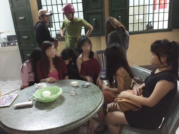 Bị lừa bán vào quán cà phê kích dục, thiếu nữ 15 tuổi cầu cứu và được nhóm hiệp sĩ giải cứu thành công-2