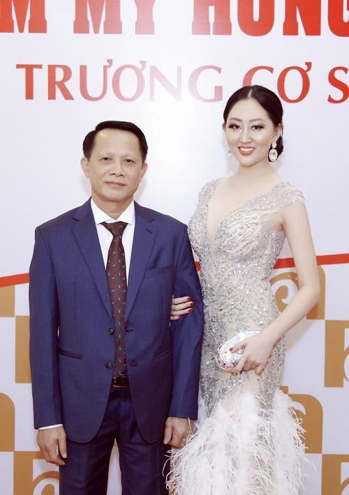 Hoa hậu Huỳnh Thuý Anh rạng rỡ dự sự kiện ở TP.HCM-2