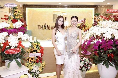 Hoa hậu Huỳnh Thuý Anh rạng rỡ dự sự kiện ở TP.HCM-4