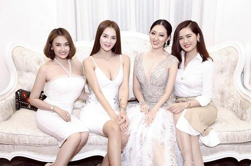 Hoa hậu Huỳnh Thuý Anh rạng rỡ dự sự kiện ở TP.HCM-7