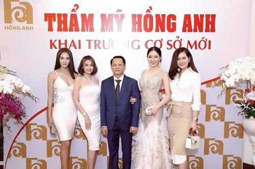 Hoa hậu Huỳnh Thuý Anh rạng rỡ dự sự kiện ở TP.HCM-9