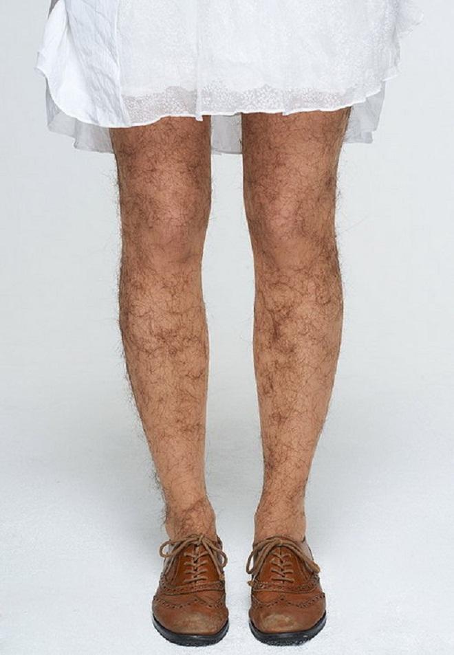Cạo lông chân sẽ khiến lông dày và đen hơn: đúng hay sai?-1