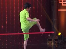 TV Show tuần: Trường Giang đi giày cao gót sành điệu