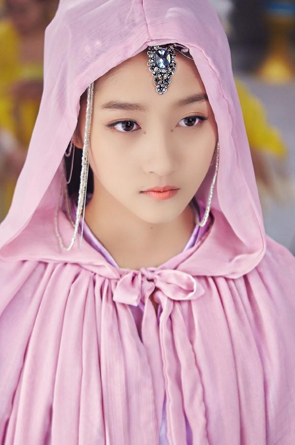 Bạn gái Luhan đang được tìm kiếm nhiều nhất Trung Quốc-8