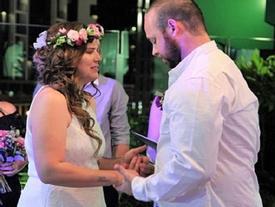 Đám cưới đẫm nước mắt của cặp vợ chồng kết hôn lần 2 vì con gái 4 tuổi sắp từ giã cõi đời