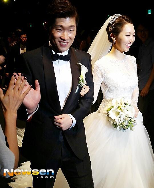 Sao Hàn 10/10: Kim Ha Neul, Park Ji Sung đồng loạt đón nhận tin vui-2
