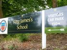 Nội quy trường bạn chưa là gì với 40 điều cấm hoàn toàn ở một trường cấp 2 tại Anh