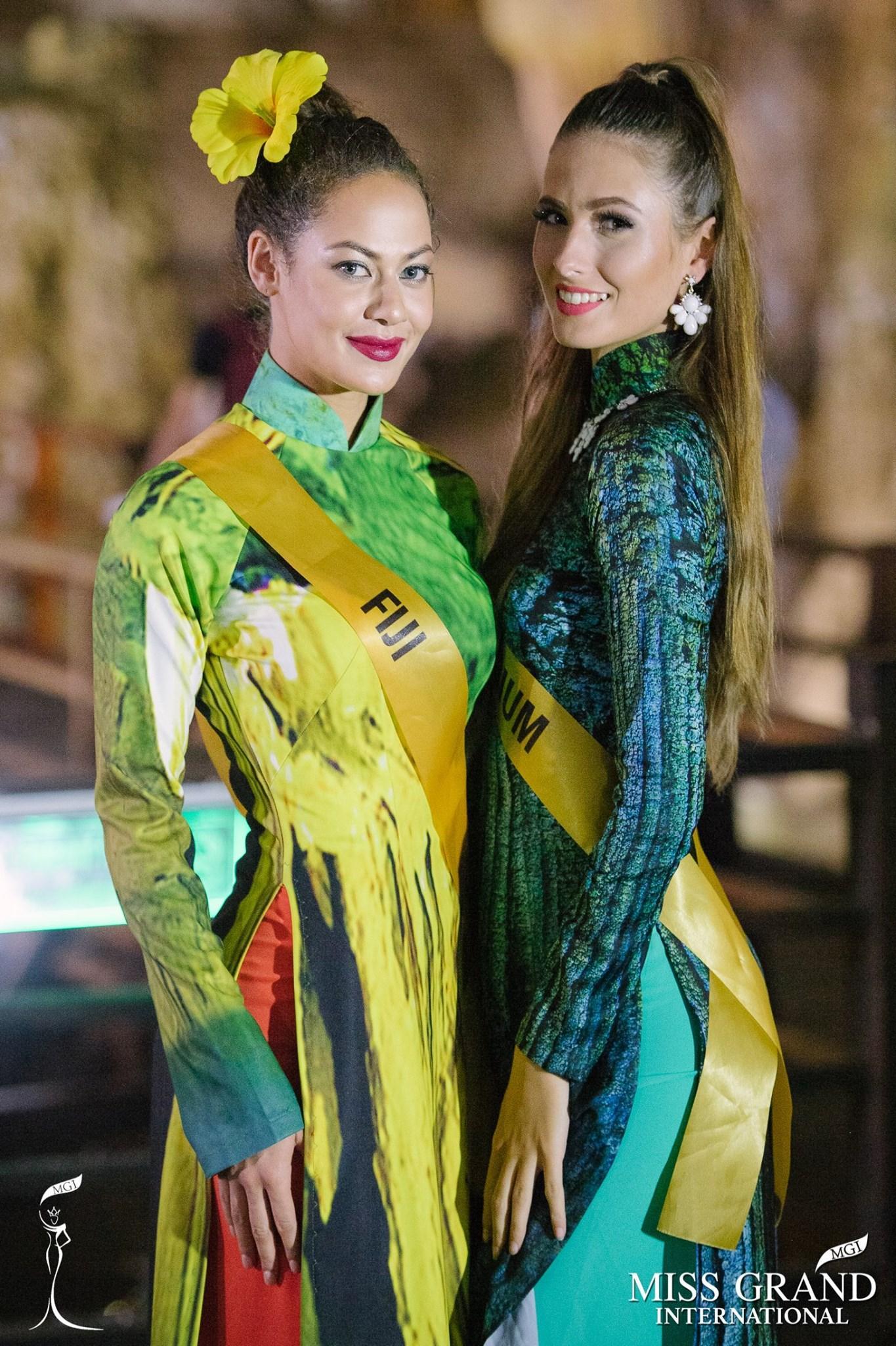 Mặc áo dài và cài dâm bụt giống Hoàng Thùy, người đẹp Fiji sáng nhất Miss Grand 2017-1