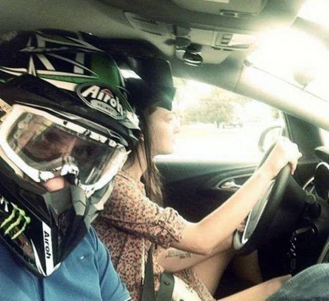 Cơn ác mộng khi chị em ngồi sau tay lái-9