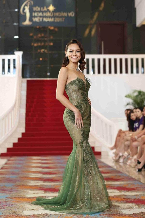 Trước khi ngã tại Hoa hậu Hoàn vũ Việt Nam, Mai Ngô từng rất cứng tại Next Top Model 2013-2