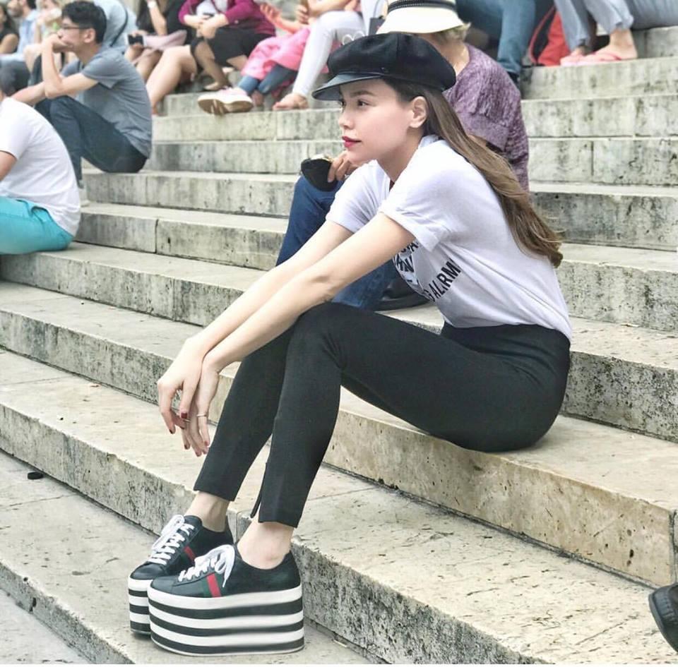 Hồ Ngọc Hà soán ngôi street style tuần này với bộ sưu tập giầy thần thánh-2