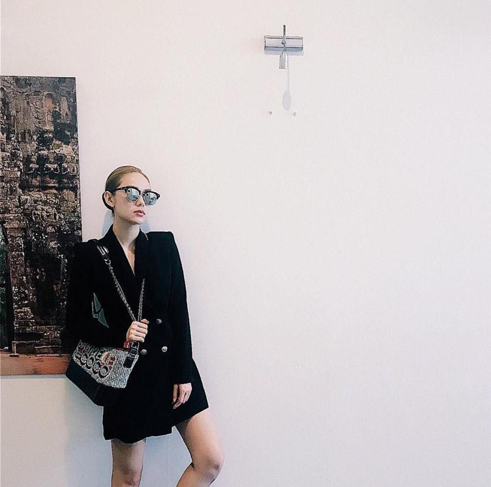 Hồ Ngọc Hà soán ngôi street style tuần này với bộ sưu tập giầy thần thánh-7