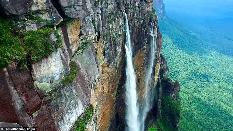 8 địa điểm leo núi đáng sợ nhất thế giới-2