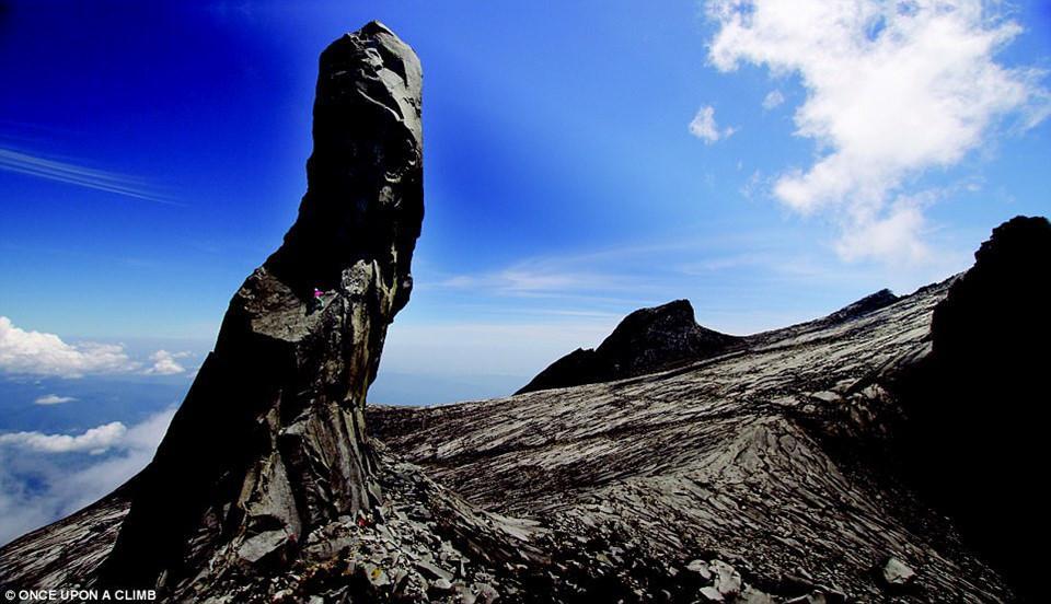 8 địa điểm leo núi đáng sợ nhất thế giới-4