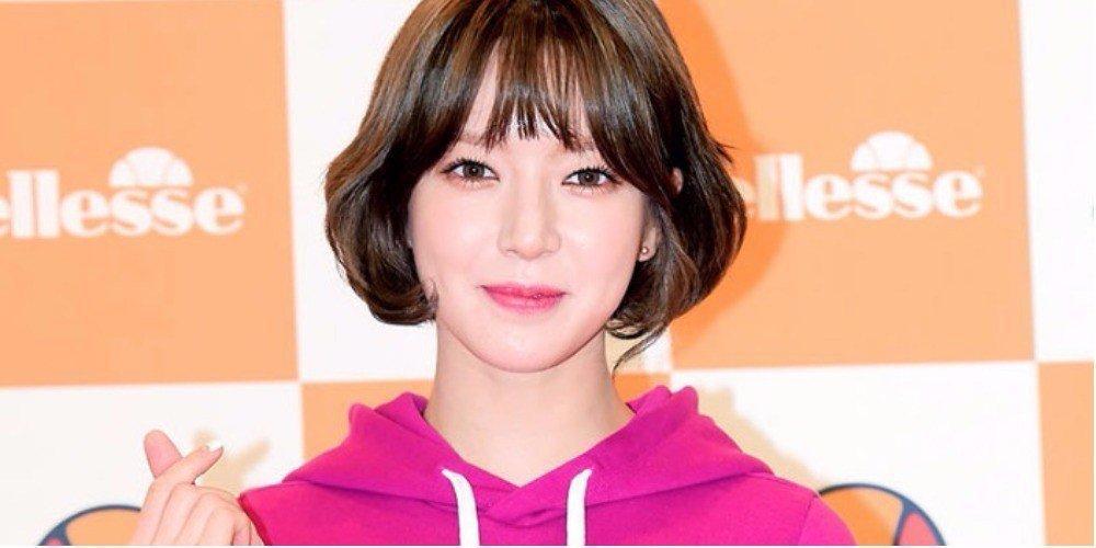 Sao Hàn 11/10: Ngôi sao Thợ may hoàng gia Park Shin Hye bất ngờ quay trở lại màn ảnh nhỏ-2