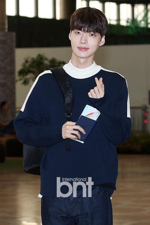Sao Hàn 11/10: Ngôi sao Thợ may hoàng gia Park Shin Hye bất ngờ quay trở lại màn ảnh nhỏ-5