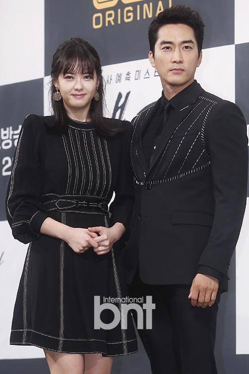 Sao Hàn 11/10: Ngôi sao Thợ may hoàng gia Park Shin Hye bất ngờ quay trở lại màn ảnh nhỏ-4