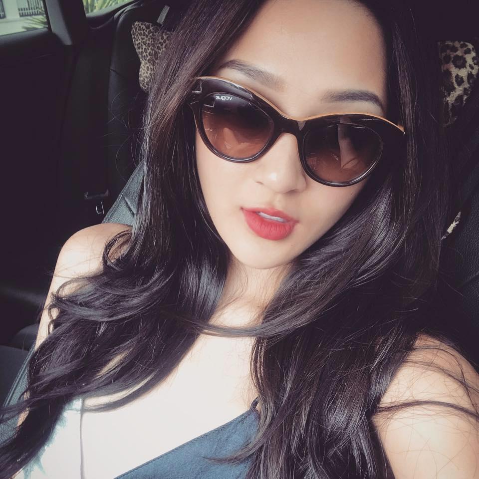 Tin sao Việt 11/10: Kim Lý mừng sinh nhật mẹ Hồ Ngọc Hà-4