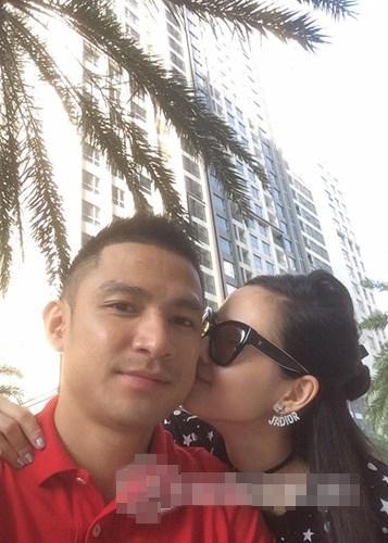 Hot girl - hot boy Việt 12/10: Tâm Tít tình tứ bên ông xã sau khẩu chiến với Maya-1