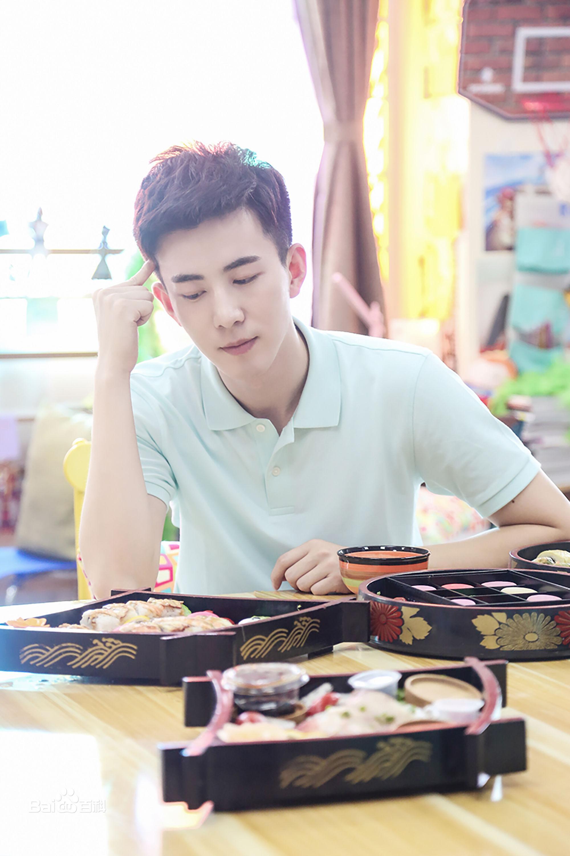 Choáng trước Bao Thanh Thiên đẹp trai, trắng trẻo nhất lịch sử truyền hình Hoa ngữ-12