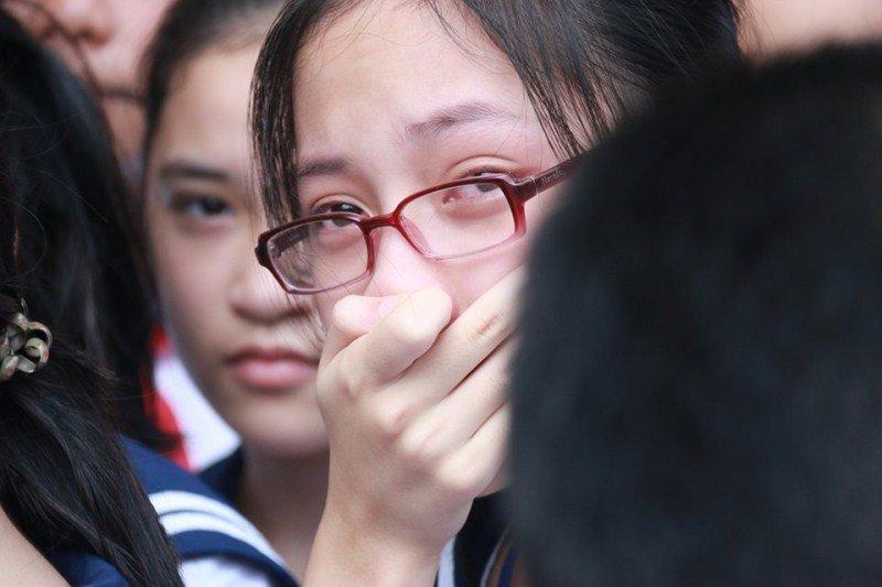 Nước mắt học sinh Lương Thế Vinh gửi thầy Văn Như Cương ngập tràn tang lễ-6
