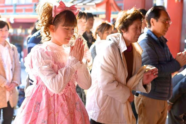 Giám đốc Nhật cúi đầu chào khách: Câu chuyện thú vị đằng sau văn hóa cúi chào của người Nhật-4