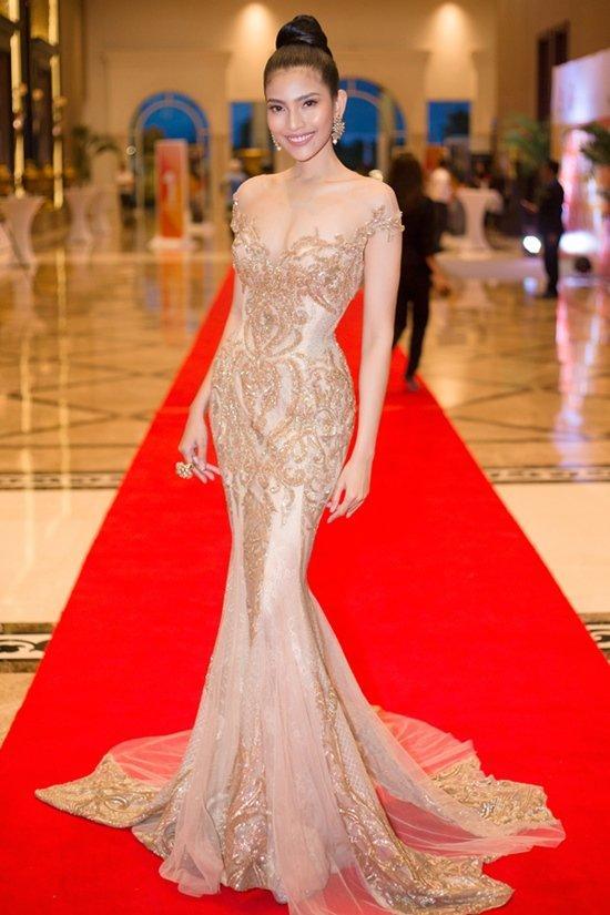 Huyền My đứng top mặc đẹp nhất thảm đỏ với váy vàng lộng lẫy tại Miss Grand International 2017-5