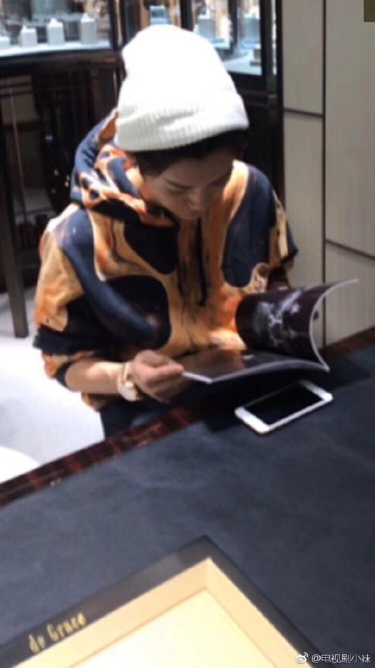 Vừa công khai bạn gái được 4 ngày, Luhan đã vội vã mua nhẫn cưới?-4