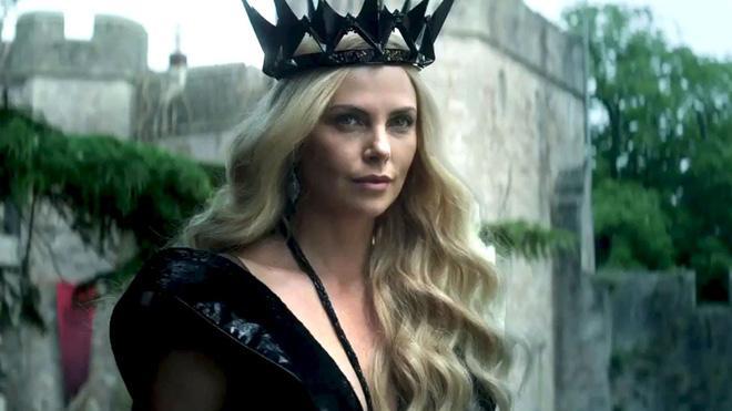 Hoàng hậu được mệnh danh là ác phụ độc dược, 3 đời chồng vẫn đẹp như đóa hồng Athens-1