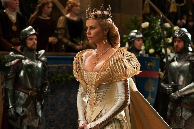 Hoàng hậu được mệnh danh là ác phụ độc dược, 3 đời chồng vẫn đẹp như đóa hồng Athens-2