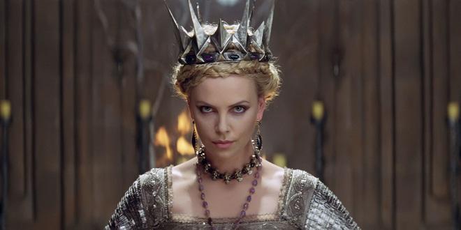Hoàng hậu được mệnh danh là ác phụ độc dược, 3 đời chồng vẫn đẹp như đóa hồng Athens-4