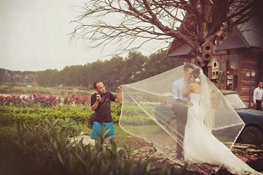 Sự thật không tưởng đằng sau những bức ảnh cưới lung linh-3