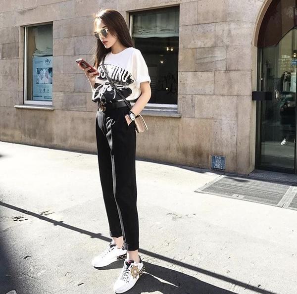 Chất đừng hỏi với phong cách street style của 3 nữ huấn luyện viên The Look-14