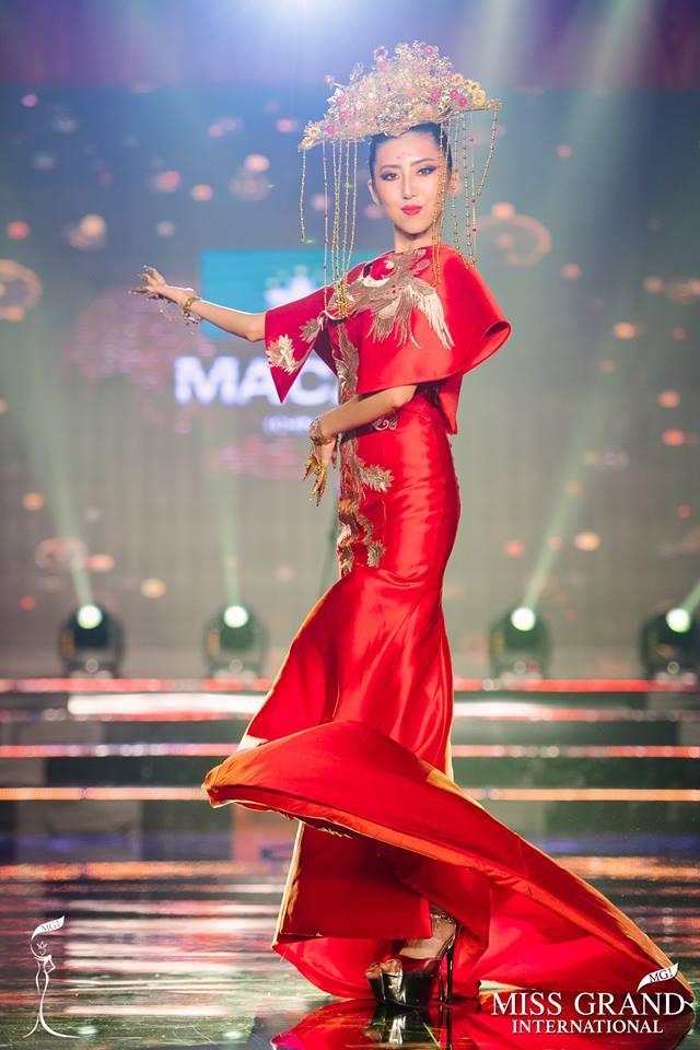 Top 10 trang phục truyền thống đẹp nhất tại đêm trình diễn Quốc phục Miss Grand International 2017-7