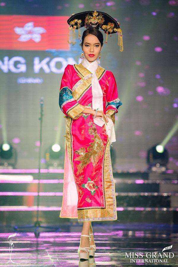 GIẬT MÌNH: Xuất hiện Lan Khuê phiên bản lỗi tại Miss Grand International 2017-1