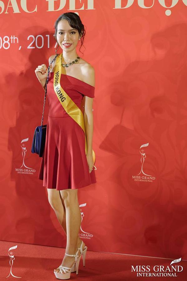 GIẬT MÌNH: Xuất hiện Lan Khuê phiên bản lỗi tại Miss Grand International 2017-9