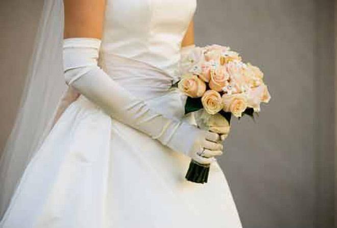 Sốc khi nhận được thiệp cưới của người chỉ biết không quen-1