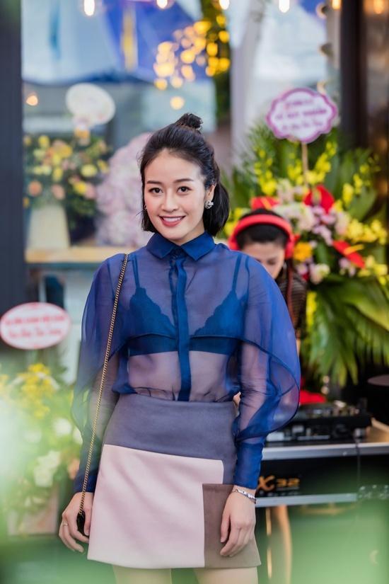 Phi Thanh Vân trễ nải vòng 1, Đông Nhi phá nát đồ hiệu lọt top sao mặc xấu nhất tuần-5